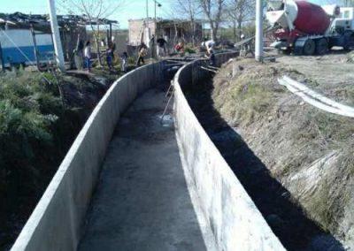 Obras de impermeabilización de canales en la cuenca del Tunuyán inferior.