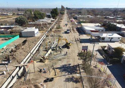 Intervención urbana de Barrio Lencinas y asfalto Carril Florida.