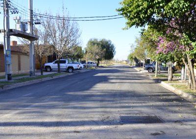 """Finalizó el asfaltado en el barrio """"Ilbric""""."""