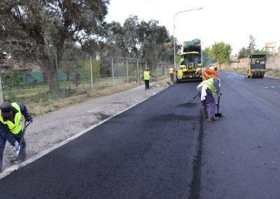 Comenzó el asfaltado en el Barrio Fader y mejoran rutas provinciales.