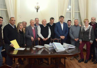 El Intendente Ronco presentó en la Legislatura más de 11.000 adhesiones para la Doble Vía