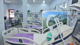 Inauguración salas de cuidados Intensivos